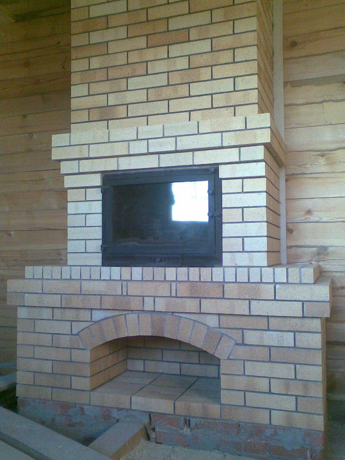 Камин для обогрева помещения